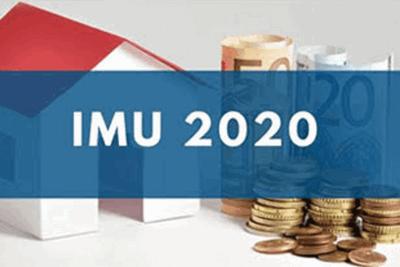 casa stilizzata, banconote, monete e scritta IMU 2020