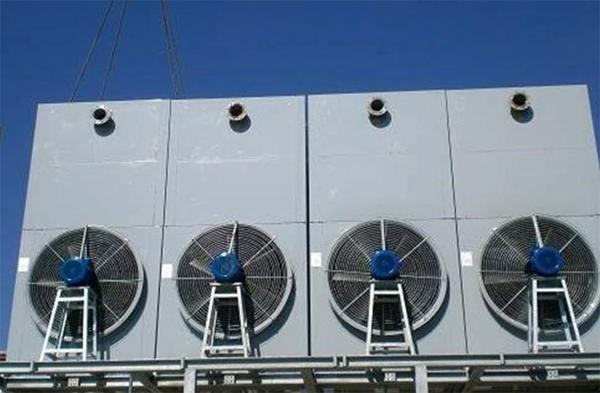Torri di raffreddamento e condensatori evaporativi
