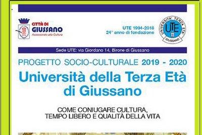 """scritta """"Progetto socio-culturale 2019 - 2020. Università della terza Età di Giussano. Come coniugare tempo libero e qualità della vita"""""""