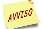 cartello con scritta AVVISO