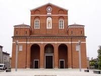 vista frontale della Chiesa Parrocchiale Santa Margherita