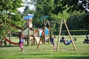 gioco modulare del parco laghetto prima dell'intervento di manutenzione