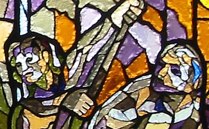 Particolare della vetrata dedicata a Fra Giovanni; gli operai guardano con sottomissione Gian Galeazzo Visconti