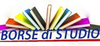 immagine di libri colorati e la scritta BORSE DI STUDIO