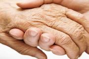 mani che si incrociano