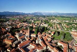 Fotografica panoramica della città vista dall'alto