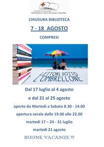 Volantino con foto di due persone sotto l'ombrellone in spiaggia e libri impilari
