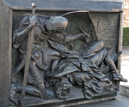 il monumento di alfredo Sassi